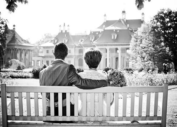 Wedding anniversary traditionas partWedding anniversary traditionas part